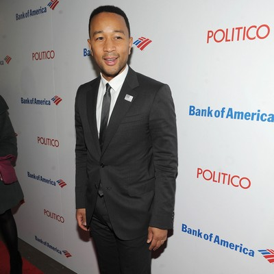 John-Legend:-People-make-a-party