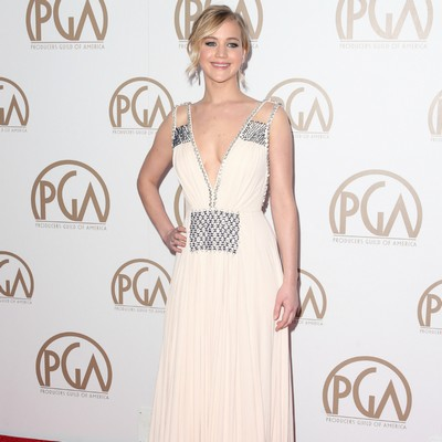 JLaw-moves-in-with-Chris-Martin