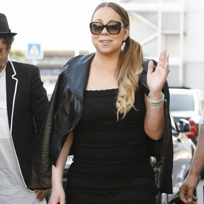Mariah-Carey-being-spoiled-by-new-boyfriend