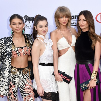 Taylor-Swifts-friendship-alliance