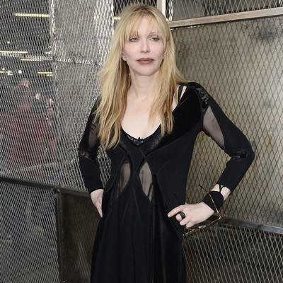 Courtney-Love-fires-back-at-biographer