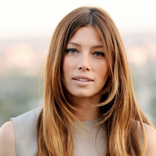 Jessica-Biel:-Motherhood-is-magical!