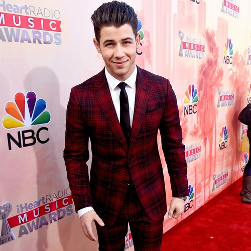 Nick-Jonas-monster-truck-love