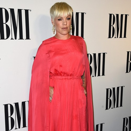 Pink-grossed-out-by-VMAs