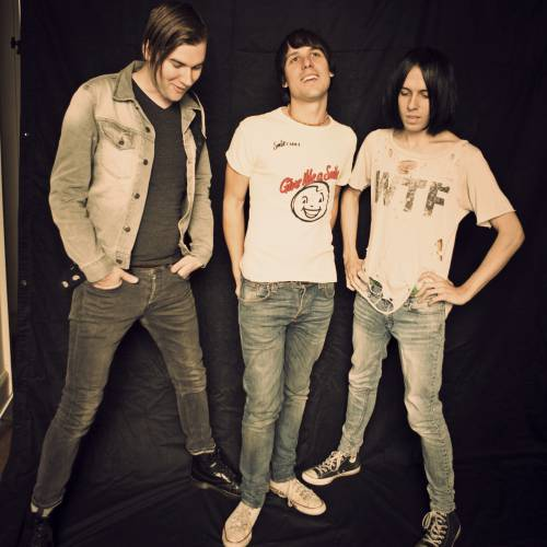The-Cribs-unveil-video-for-Leather-Jacket-Love-Song