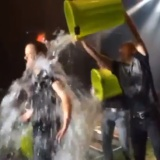 Imagine-Dragons-Dan-Reynolds-takes-ice-bucket-challenge