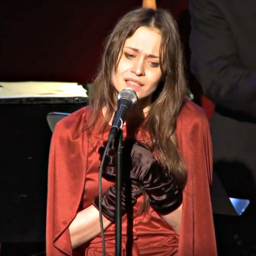 Fiona-Apple-pulls-South-American-tour-to-be-with-dying-pet-dog