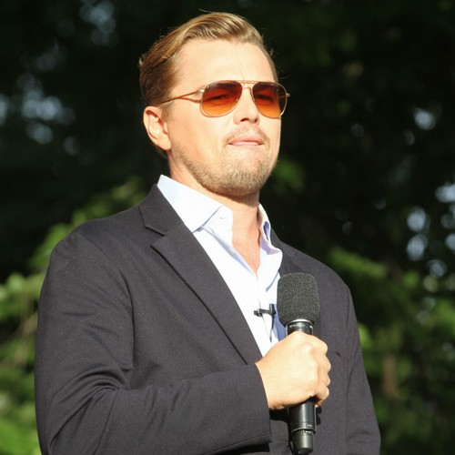 Leonardo DiCaprio interpreta Sam Phillips