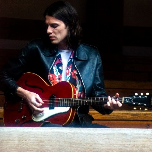 James Bay: 'Wayne Rooney sang Hold Back The River with me'