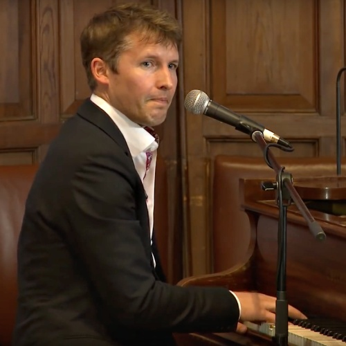 James-Blunt-to-break-Gig-in-the-Sky-record