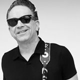 Jimmie-Vaughan-suffers-heart-attack