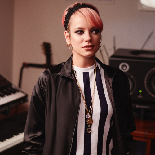 Lily-Allen-back-in-the-studio