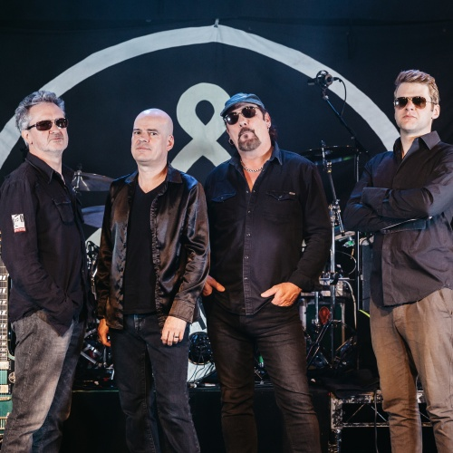 The-Mission-UK-sign-new-deal-and-announce-summer-dates