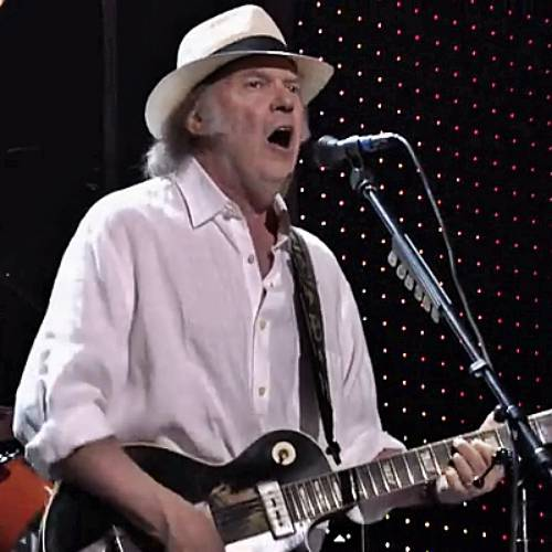 Permalink to Neil Young Must Leave America While Trying to Reach American Citizenship – Music News