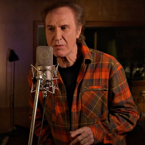 Ray-Davies-duets-with-Chrissie-Hynde