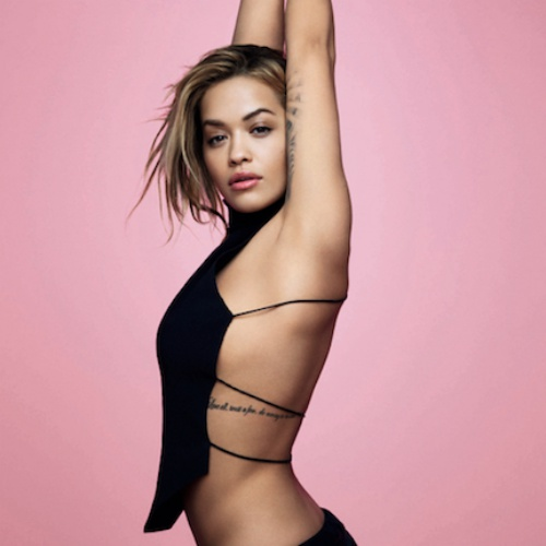 Rita-Ora-coached-by-Naomi-Campbell