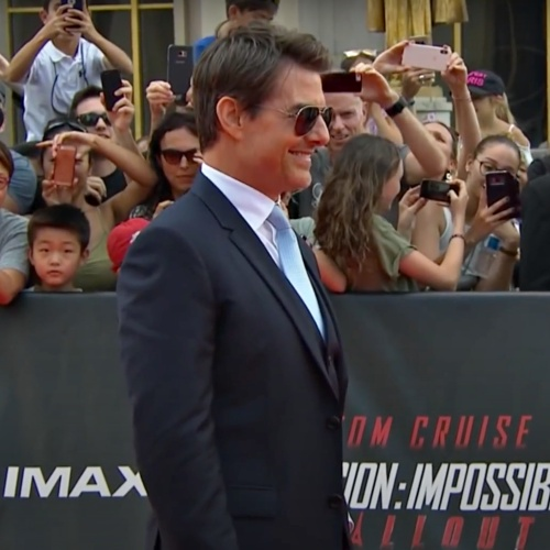 Tom-Cruise-backs-Freddie-For-A-Day-Campaign