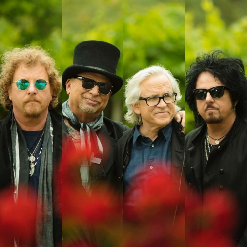 Toto-latest-band-to-sue-for-digital-royalties
